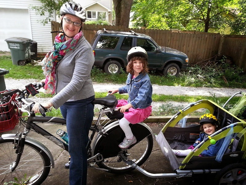 Bike Trailer Vs. Bike Seat: A Comparison Bike Accessories
